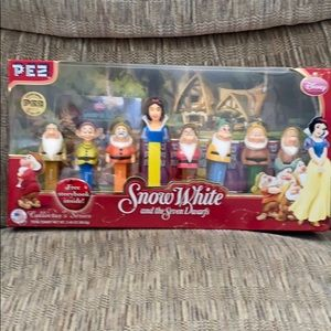 Snow White and the Seven Dwarfs Pez Dispensers